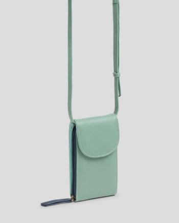 Kleine Umhängetasche von NICE THINGS (PHONE BAG) aus Polyurethan mit verstellbarem Band, magnetischer Verschlussklappe, Reißverschluss und zwei Innenfächern. / 9,5 x 18 x 2,5 cm / Light Blue, Light Rust / pussyGALORE / Leipzig
