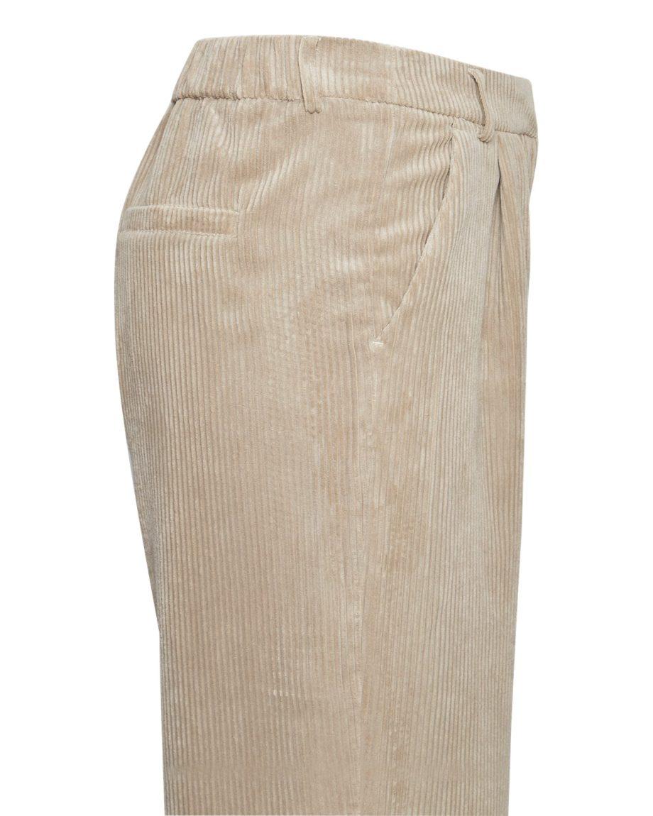 Knöchellange High Waist Hose von MSCH (CHARIS JEPPI) aus Cord mit Bundfalten, elastischem Einsatz, französischen Eingriffstaschen und Leistentaschen. / White Pepper / Detailansicht / pussyGALORE / Leipzig