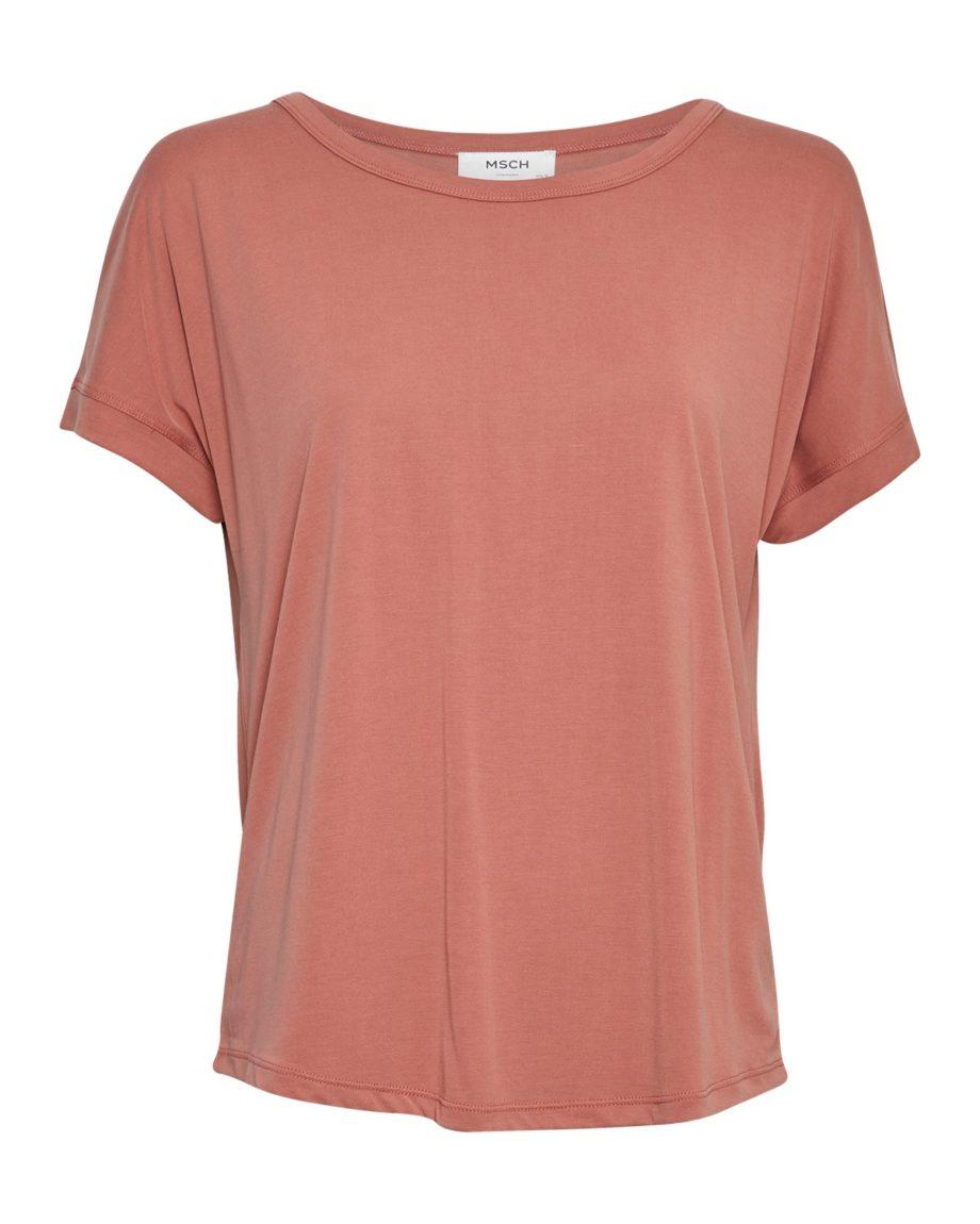 Locker geschnittenes T-Shirt aus Modal von MSCH (FENYA MODAL TEE) mit abgestepptem Saum und Ziernaht am Rücken. Brick Dust / Vorderansicht / pussyGALORE / Leipzig